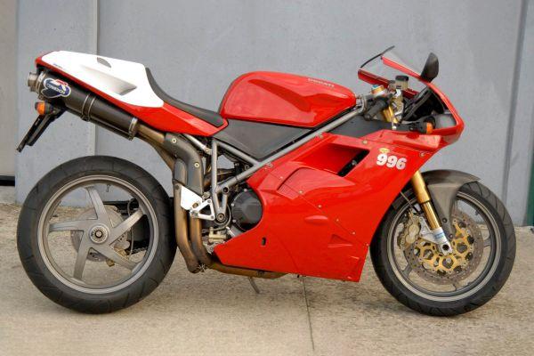 ducati-996-sps-01685575DC-1FB9-93AC-1B3E-5017FA7C4E3E.jpg