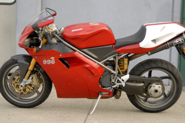 ducati-996-sps-08D9100A3C-89CC-A3A3-0ED3-A0B4E7777679.jpg