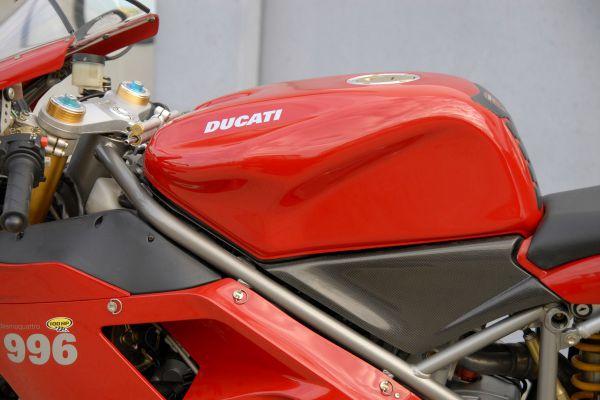 ducati-996-sps-11BEA390ED-7C74-8951-3F64-62324CAC918F.jpg