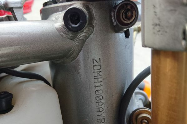 ducati-996-sps-14D9D6FE7E-E7BD-C932-B390-CAF245BCCB37.jpg