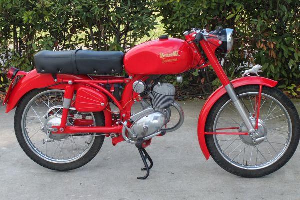 benelli-leoncino-125-1164D20B7B-7924-B69A-BF80-F9D1181CC245.jpg