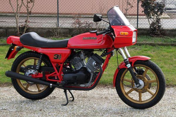 morini-350sport-milano-1036A8B8E9-00D1-96B7-9863-118A54BC6D7C.jpg