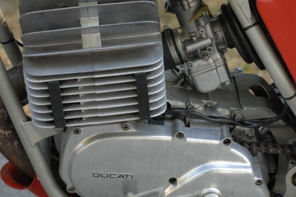 ducati-regolarita-03786725FA-F30D-1594-44EE-679F5EFE19E4.jpg