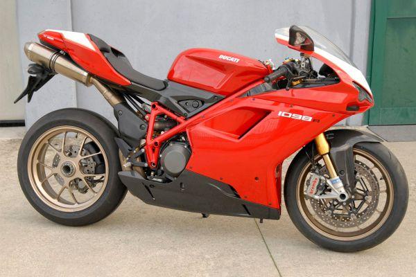 ducati-1098-r-0124A0BFA2-91DF-94E8-CD87-A719F51A990B.jpg
