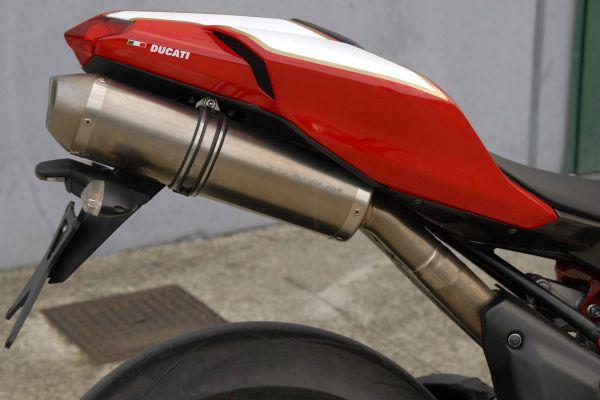 ducati-1098-r-052DB9AFFE-CD15-79AD-217D-F01A156DF137.jpg