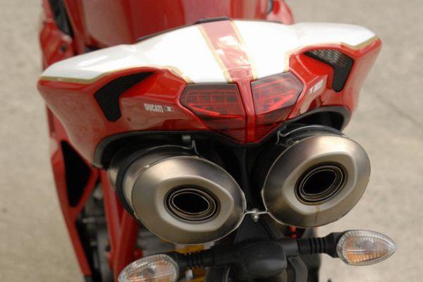 ducati-1098-r-081FBABC94-564F-37F3-2A6F-F941732A8C1A.jpg